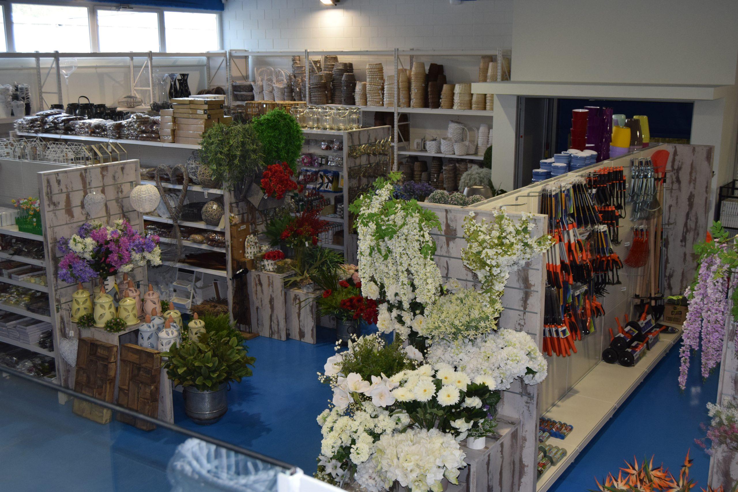 arredamento negozio garden